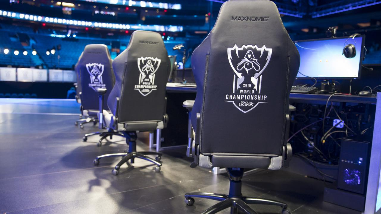 You are here & Win a gaming chair used throughout Worlds 2016! | League of Legends
